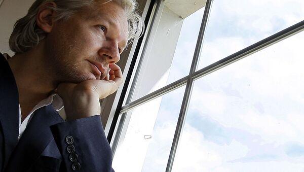 Il fondatore di WikiLeaks Julian Assange in Regno Unito - Sputnik Italia