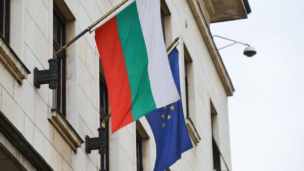 La bandiera della Bulgaria e dell'UE - Sputnik Italia
