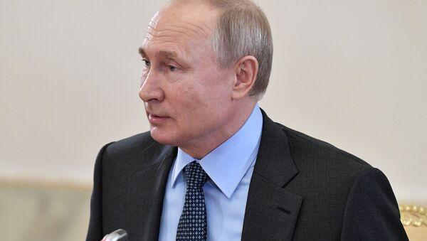 Vladimir Putin a SPIEF 2019 - Sputnik Italia