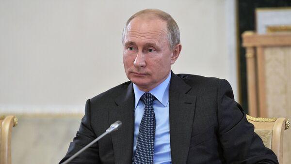 Vladimir Putin durante SPIEF - Sputnik Italia