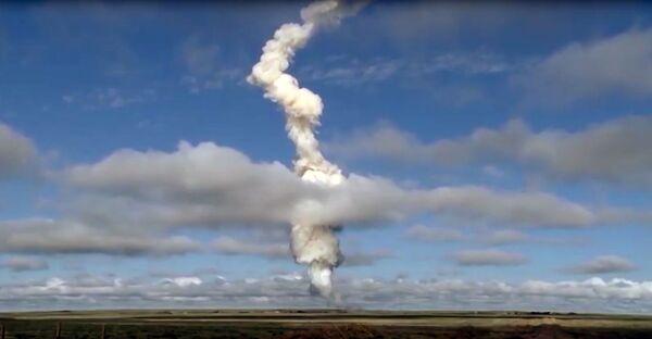 Collaudato con successo il nuovo missile anti-balistico russo - Sputnik Italia