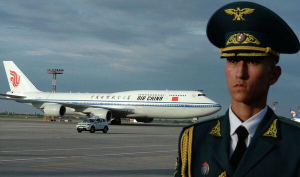 Il Boeing 747-800 dell' Air China a bordo del quale ha viaggiato il presidente cinese Xi Jinping  - Sputnik Italia