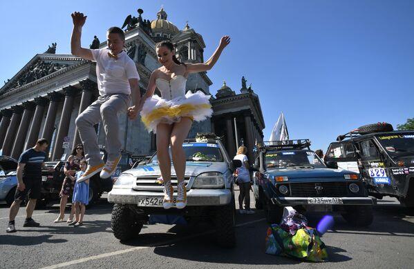 Festival Spief Drive in Piazza Sant'Isacco a San Pietroburgo. - Sputnik Italia