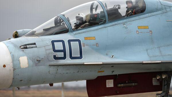 Piloti a bordo di un caccia Su-30M2 - Sputnik Italia