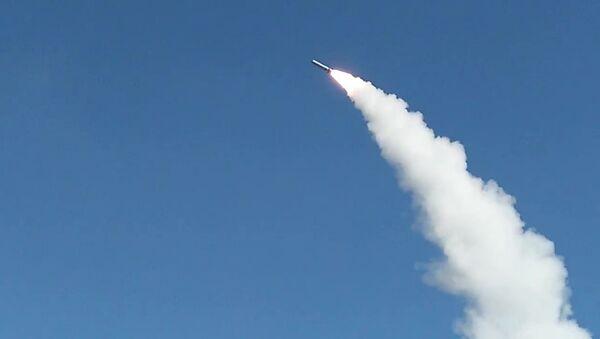 Lancio del missile Iskander-M al poligono di Astrakhan - Sputnik Italia