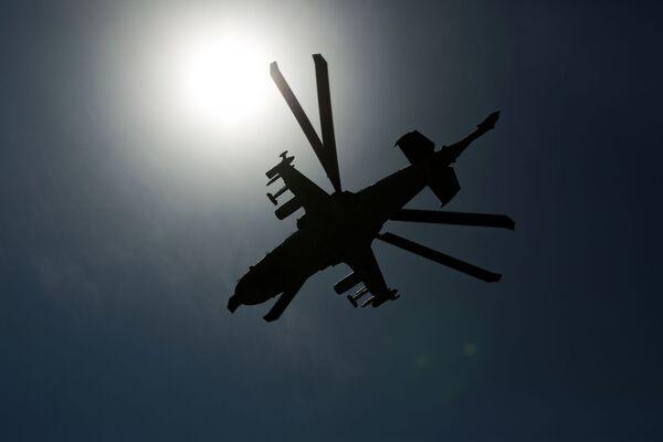 L'elicottero d'attacco Ka-52 Alligator in volo  - Sputnik Italia