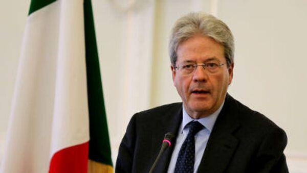 Paolo Gentiloni ha ribadito che al momento dare delle interpretazioni politiche sui moventi del rapimento è assolutamente prematuro e imprudente. - Sputnik Italia