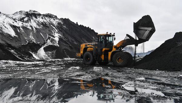 Estrazione del carbone in Siberia - Sputnik Italia