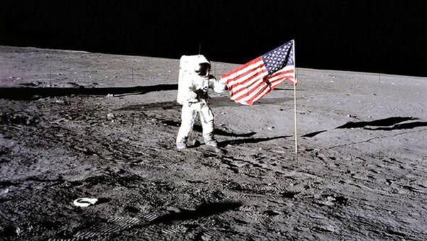 Missione Apollo 12 sulla Luna - Sputnik Italia