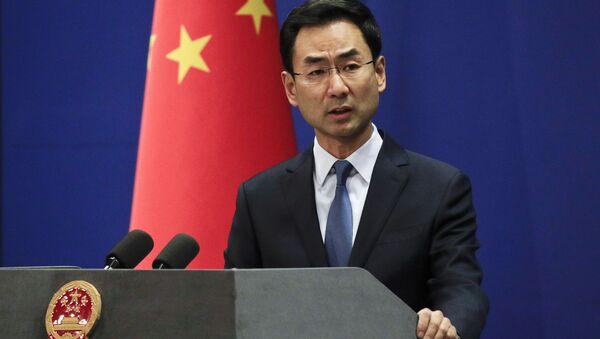 Il portavoce ufficiale del Ministero degli Esteri cinese Geng Shuang  - Sputnik Italia