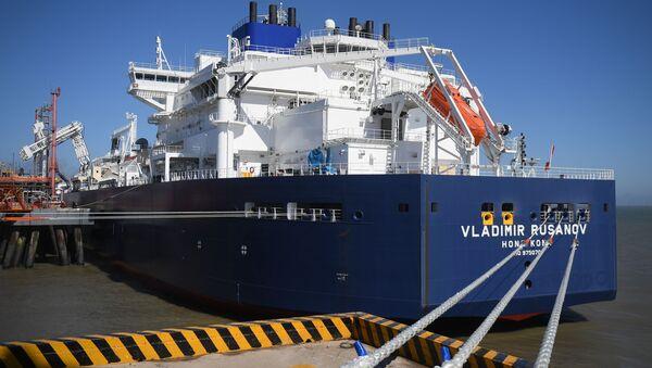 La petroliera GNL Vladimir Rusanov - Sputnik Italia