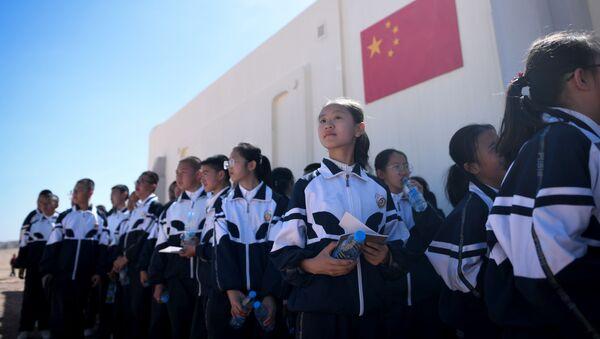 Gruppo di bambini visita la base cinese Mars Base 1 - Sputnik Italia