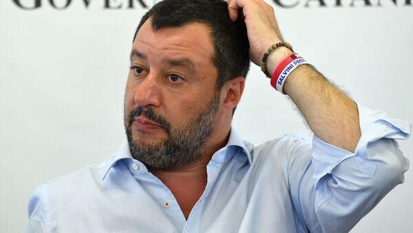 Matteo Salvini alla conferenza stampa al Cara di Mineo - Sputnik Italia