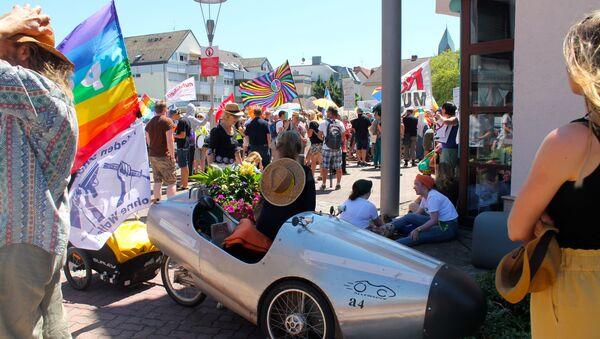Proteste dei pacifisti contro la base USA di Ramstein in Germania - Sputnik Italia