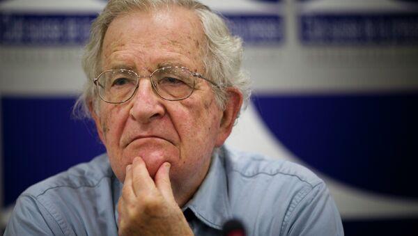 Noam Chomsky - Sputnik Italia