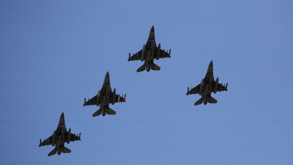 Caccia americani F-16  - Sputnik Italia