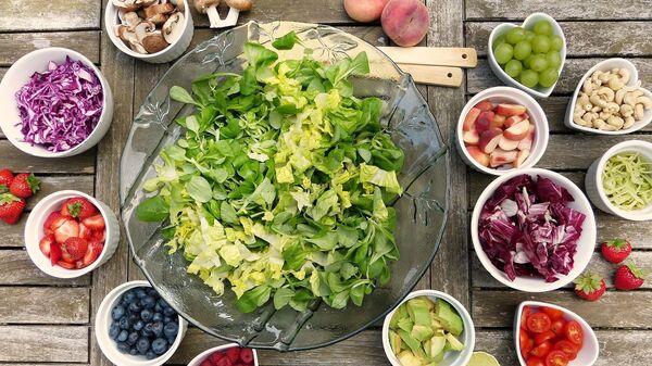 Insalata di frutta e verdura - Sputnik Italia