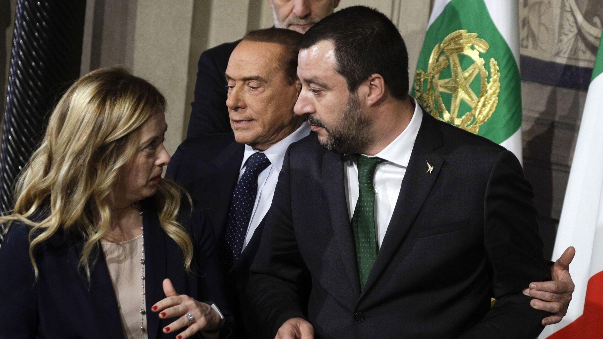 Matteo Salvini e Giorgia Meloni e Silvio Berlusconi - Sputnik Italia, 1920, 03.02.2021