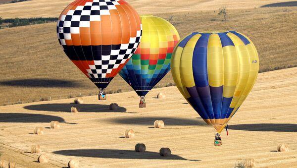Centinaia di mongolfiere partecipano al Lorraine Mondial Air Balloon Festival a Chambley. - Sputnik Italia