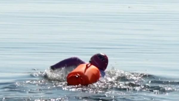 Attraversare il Bajkal a nuoto è un'impresa impossibile? - Sputnik Italia
