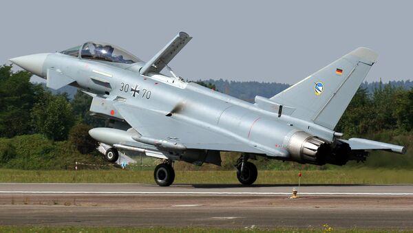 Un caccia Eurofighter Typhoon S tedesco - Sputnik Italia