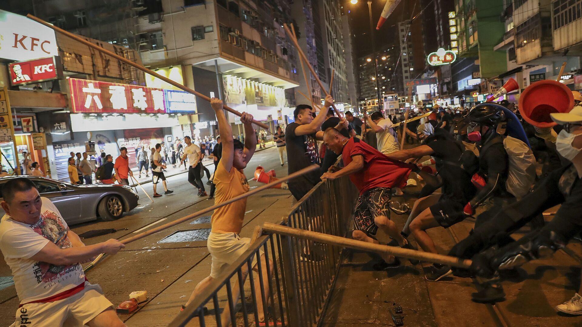 Le proteste a Hong Kong - Sputnik Italia, 1920, 15.08.2021