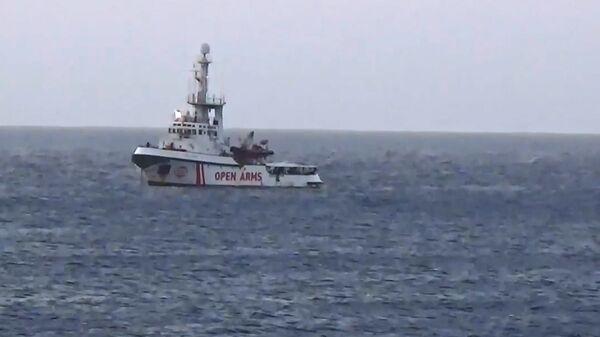 La nave Ong 'Open Arms' si dirige verso Lampedusa  - Sputnik Italia