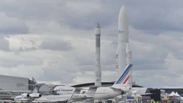 Il razzo leggero monouso Vega e il lanciatore Ariane 5  - Sputnik Italia