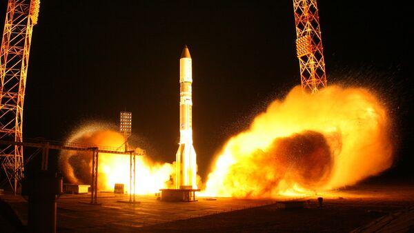 Lancio del razzo vettore Proton-M - Sputnik Italia