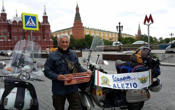 Stefano Medvedich all'arrivo a Mosca sulla Piazza del Maneggio - Sputnik Italia