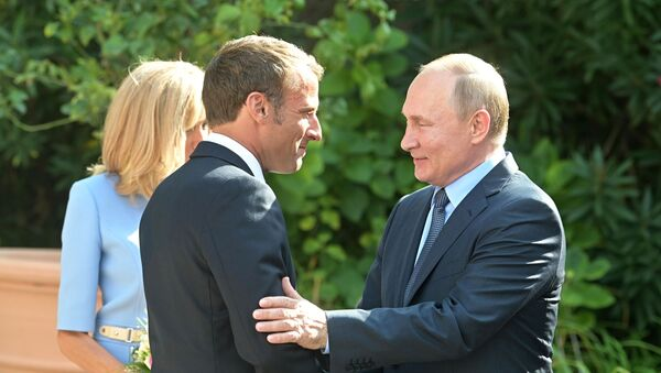 L'incontro Putin - Macron del 19 agosto 2019 - Sputnik Italia