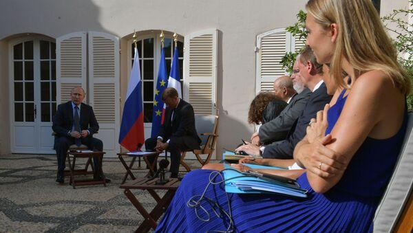 Putin e Macron a colloquio - Sputnik Italia