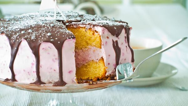 Una torta  - Sputnik Italia