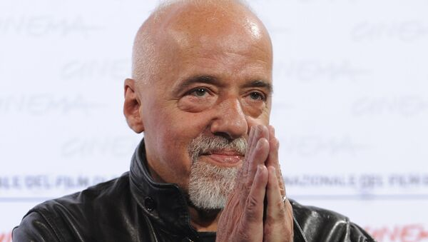 Paulo Coelho - Sputnik Italia