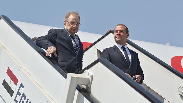 Ambasciatore Kirpichenko e Primo Ministro Medviedev - Sputnik Italia