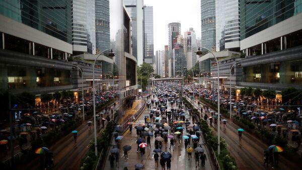 Una marcia di protesta ad Hong Kong - Sputnik Italia