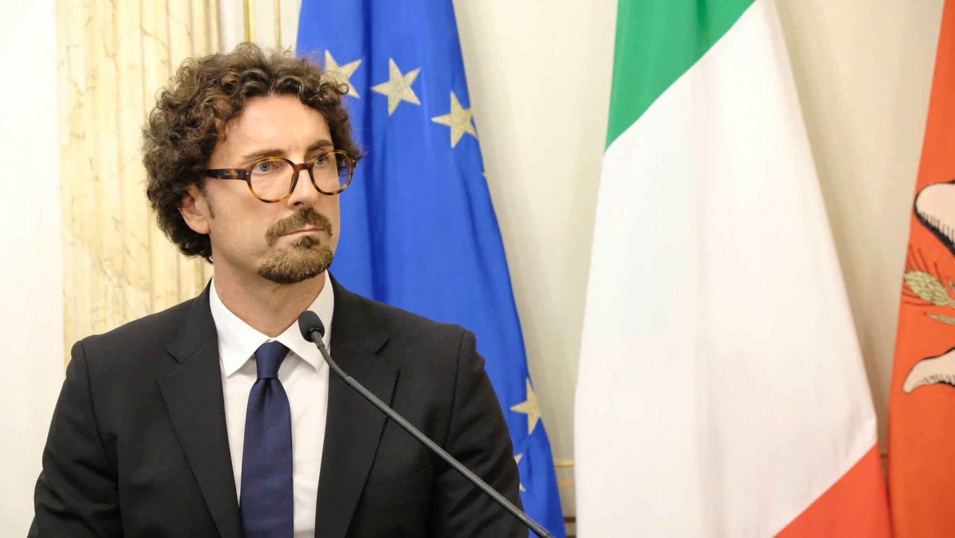 Danilo Toninelli, ministro delle infrastrutture e dei trasporti - Sputnik Italia, 1920, 14.06.2021