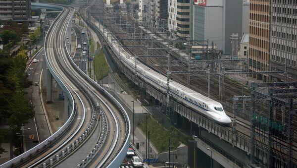 Un treno in Giappone - Sputnik Italia