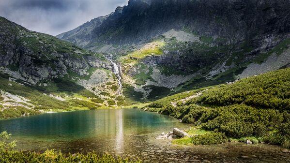 Le montagne degli Alti Tatro in Slovacchia: ogni anno circa 5 milioni di turisti vanno qui in vacanza.  - Sputnik Italia