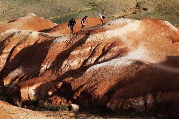 Non è in paesaggio di Marte: in realtà è valle Kizil-Chin nella repubblica di Altay. - Sputnik Italia