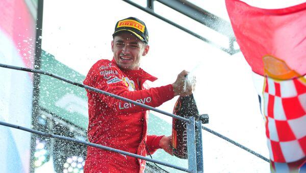 Charles Leclerc è entusiasta dopo la vittoria conquistata a Monza - Sputnik Italia