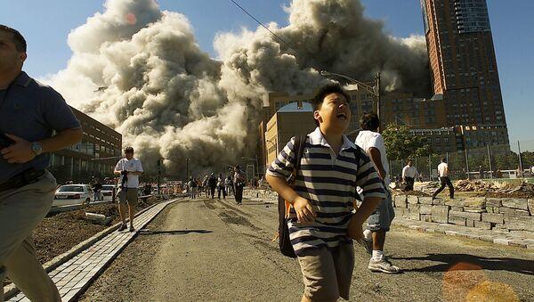 Le persone si allontanano dal World Trade center il 9 settembre 2011. - Sputnik Italia
