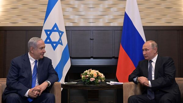 L'incontro tra Vladimir Putin e Benjamin Netanyahu, il 12 agosto del 2019 - Sputnik Italia