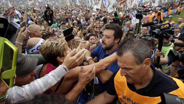 A Pontida bagno di folla per Salvini - Sputnik Italia