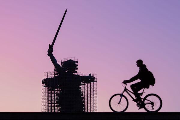 Vista del monumento La Madre Patria chiama! a Volgograd. - Sputnik Italia