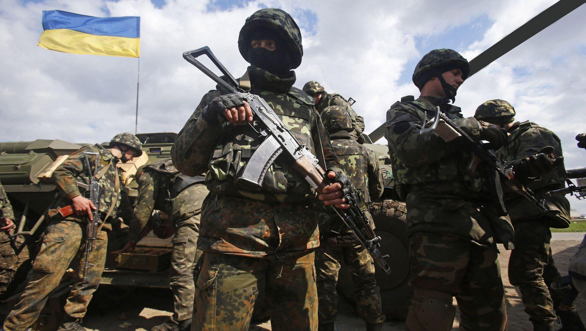 Militari ucraini nei pressi della linea di demarcazione in Donbass - Sputnik Italia, 1920, 10.04.2021