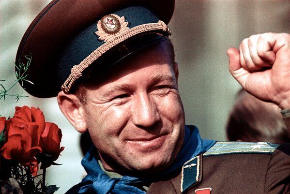 L'astronauta russo Aleksey Leonov - Sputnik Italia
