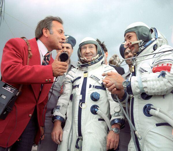 L'equipaggio della capsula Soyz-19 -  Aleksey Leonov e  Valeriy Kubasov - Sputnik Italia