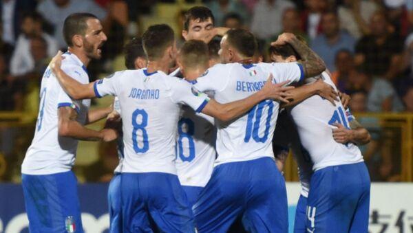 Gli azzurri festeggiano un gol durante la partita con l'Armenia - Sputnik Italia