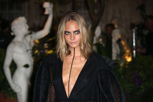 La top model britannica Cara Delevingne - Sputnik Italia